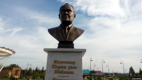 На родине Шаймиева установили его бронзовый бюст