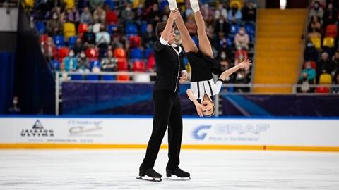 Павлюченко и Ходыкин выиграли короткую программу на Кубке России