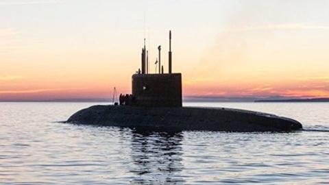 Две подлодки Черноморского флота отработали глубоководное погружение на грунт