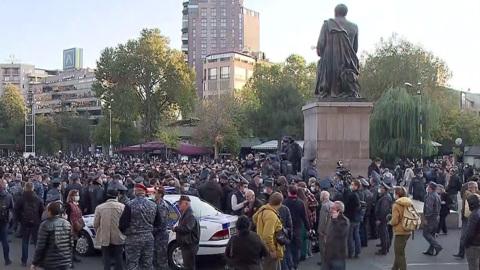 Ереван бурлит: военный конфликт стал внутриполитическим