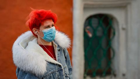 В России зафиксирован новый антирекорд по числу умерших от COVID-19 за сутки