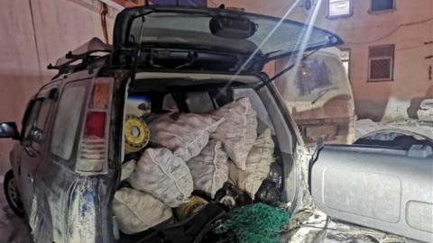 В машине сахалинца полицейские нашли тысячи морских ежей