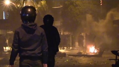 """Новости на """"России 24"""". В Тунисе продолжаются массовые беспорядки"""