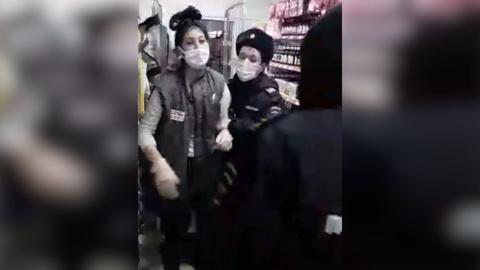 ЧП. Полицейские задержали продавщицу из-за соскочившей маски