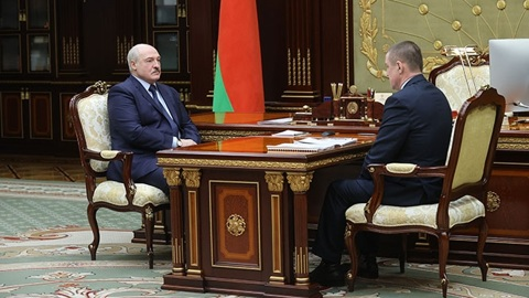 """Видео из Сети. Белоруссия """"на колени не рухнет"""", пообещал Лукашенко"""