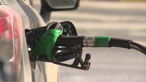 """Новости на """"России 24"""". Топливный спрос: в России выросли цены на бензин"""