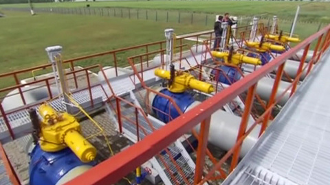 В европейских газохранилищах впервые сократились запасы