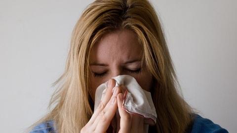 Аллерголог рассказала, как отличить ковид от сезонной аллергии