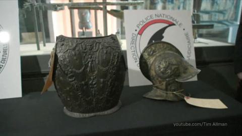 В Лувр вернулись похищенные сорок лет назад артефакты