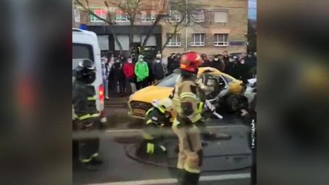 Смертельное ДТП в Москве: каршеринг влетел в такси