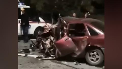 В Адлере водитель погиб после лобового столкновения