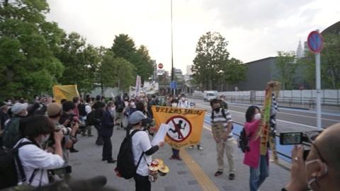 Оппозиция Олимпиаде: слова антиглобалистов находят отклик у японцев