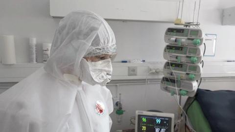Вакцинация: спасти себя от поедания вирусом и страшной смерти