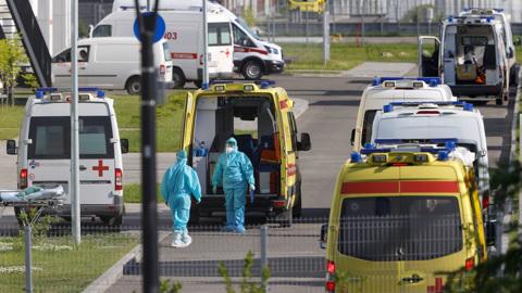 Коронавирус в России: количество заболеваний растет