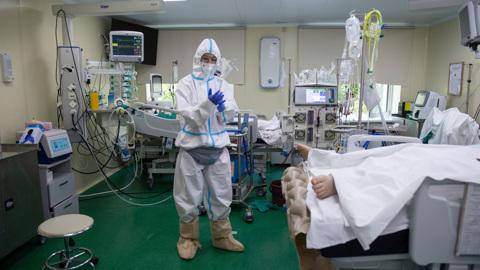 Оперштаб: уже две недели от ковида умирают более 700 человек за сутки