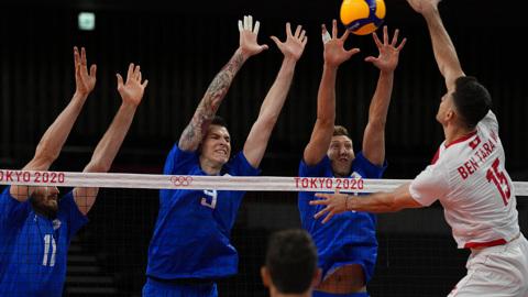 Российские волейболисты вышли в четвертьфинал Олимпиады