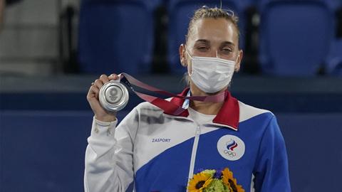 Грабители вернули Весниной олимпийские медали с извинениями