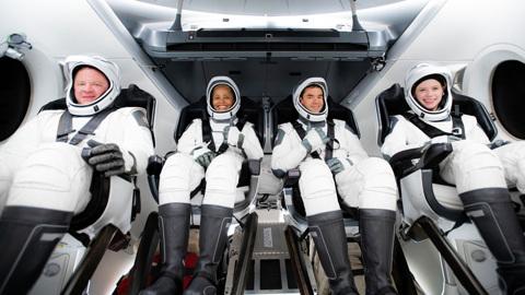 Первый частный экипаж космонавтов отправился на орбиту