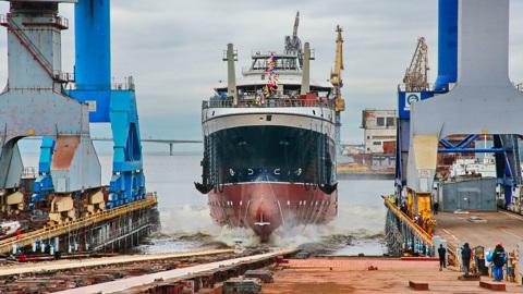 В Петербурге на воду спущен большой рыболовный траулер – четвертый в серии