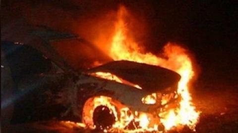 На трассе в Приморье сгорел автовоз с машинами