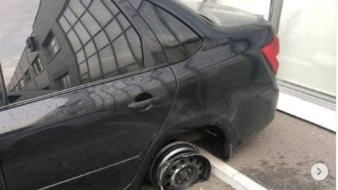 Чебоксарец ездил по городу на машине без шин