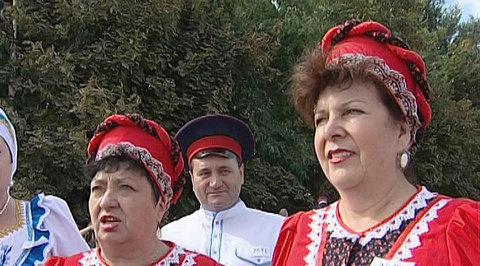 Россия 10. Казаки спели гимн Войсковому Вознесенскому собору