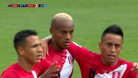 Перуанцы забивают первый гол