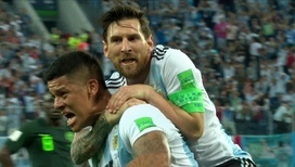 Аргентина забивает третий мяч!