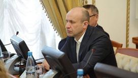фото: instagram.com/denishahalov