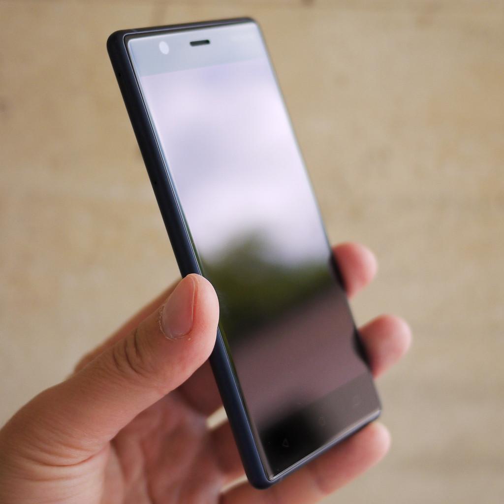 1f526359cad23 В последнем случае речь идет только о цвете металлической рамки, поскольку  панели корпуса белые. Вся лицевая панель Nokia 3 ...