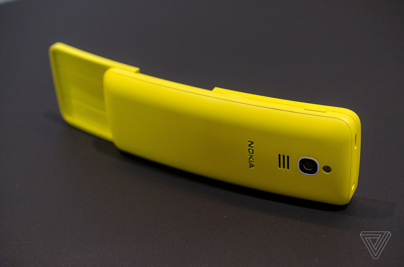 MWC 2018. HMD возродила легендарный телефон-банан нокиа 8110 изфильма «Матрица»