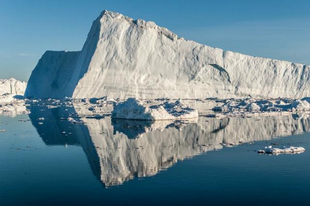 Ледник Якобсхавн √ один из крупнейших и самых быстрых ледников Гренландии