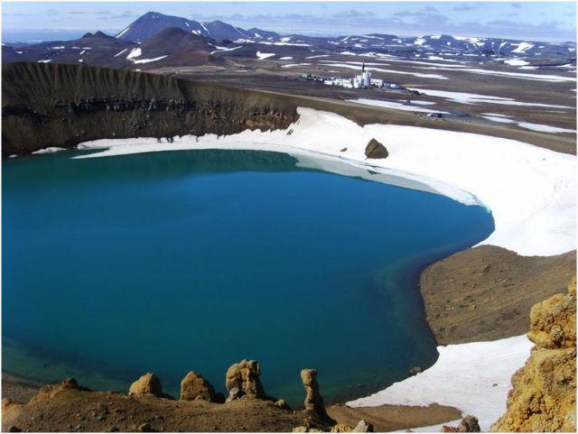 Место бурения геотермальной скважины IDDP-1
