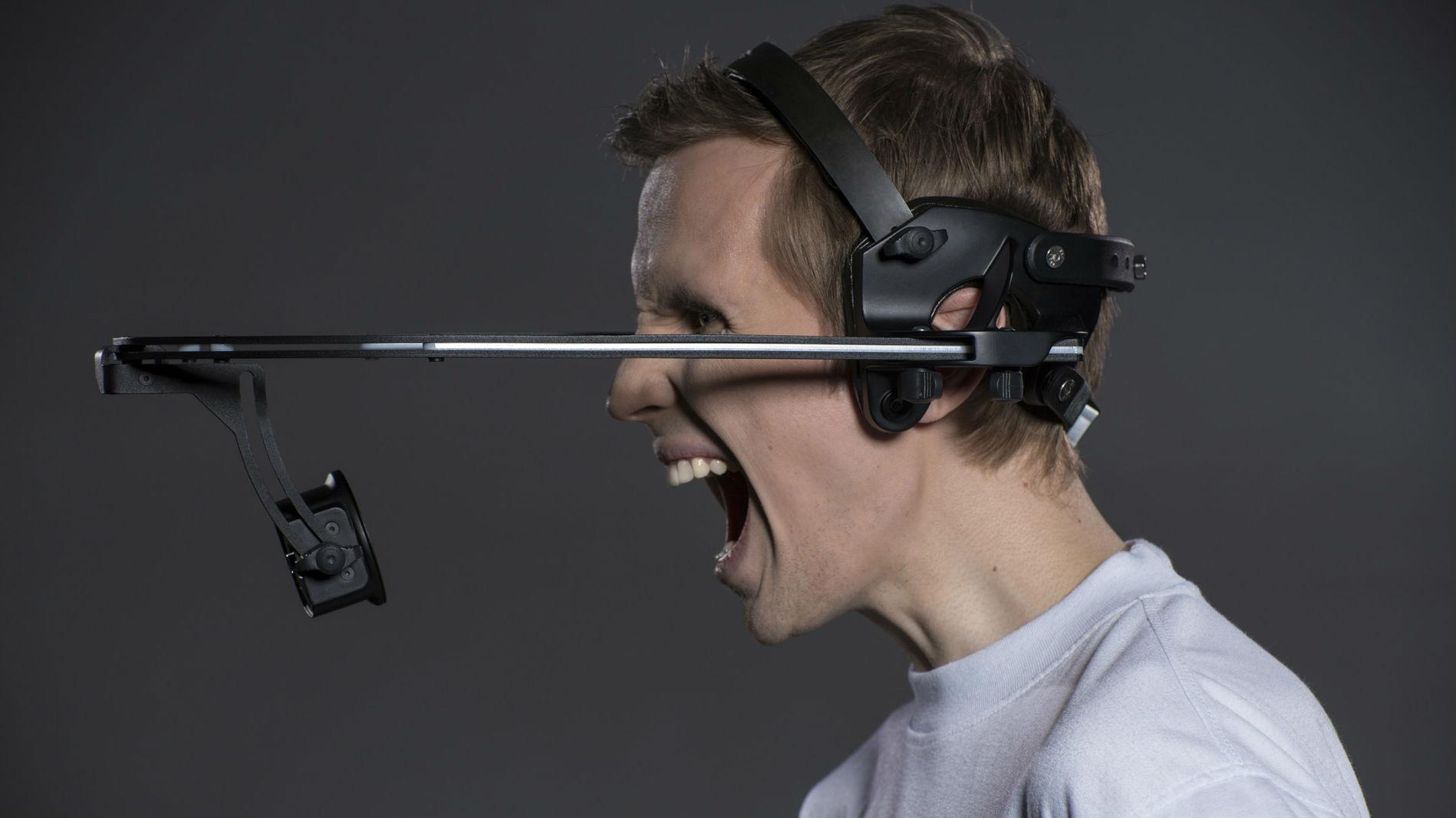Готовое изделие позволяет осуществлять съёмку мимики человека на съёмочной площадке.