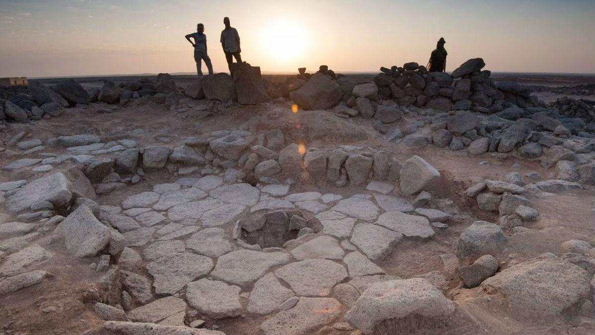 Одно из каменных сооружений участка Шубайки 1. Место, где был найден хлеб, находится посередине.