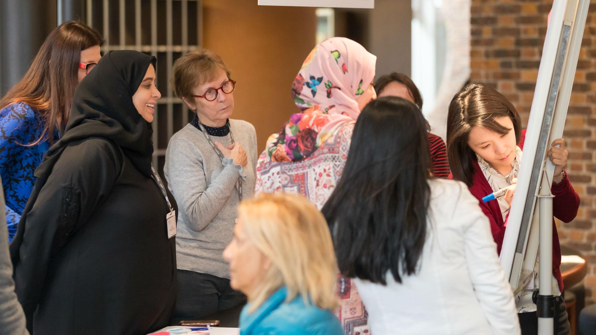 Участницы программы прошли совместно с лауреатами международной премии For Women In Science 2018 специализированные тренинги.