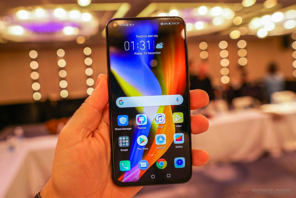 Huawei представила флагманский Honor V20