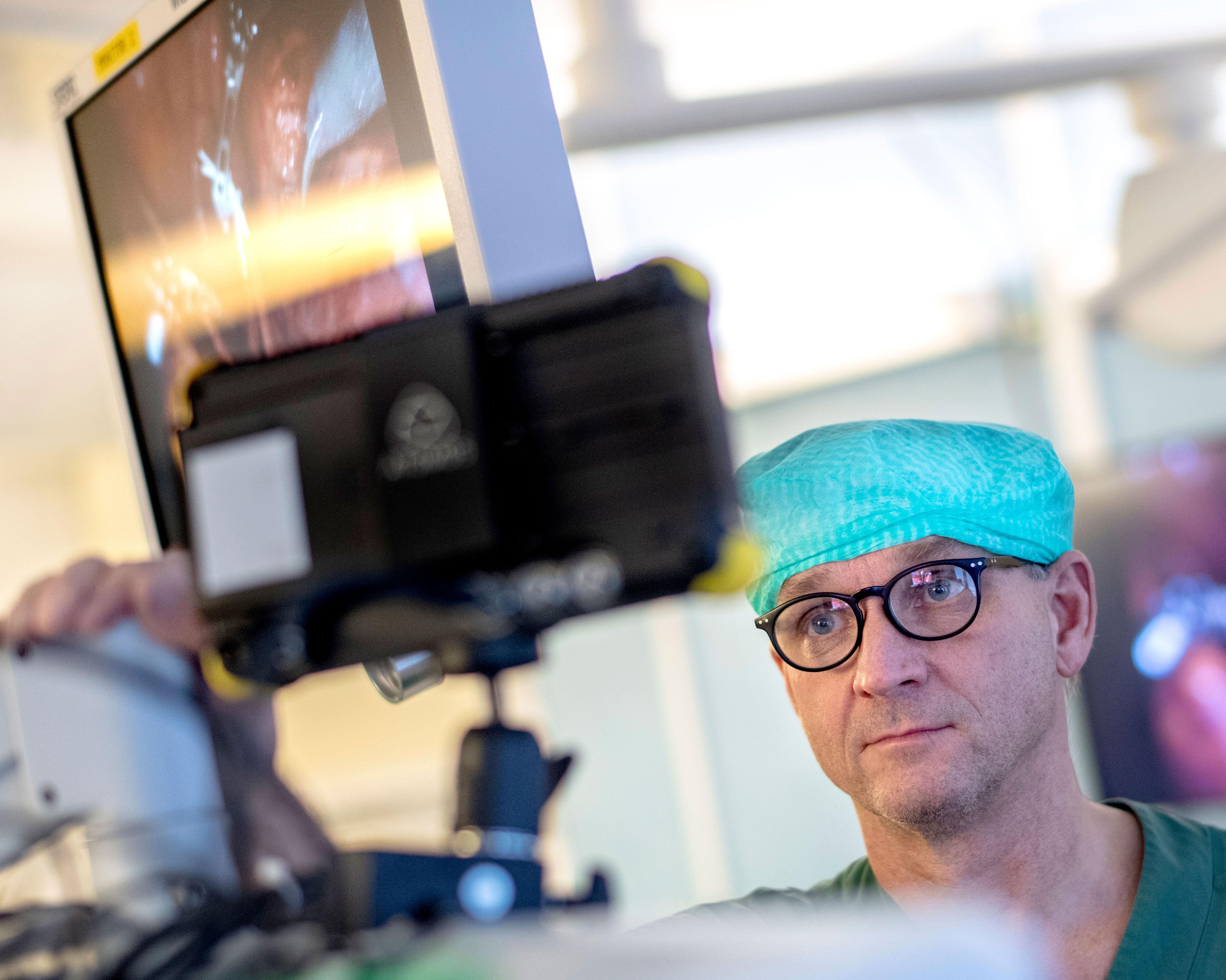 Роботизированная хирургия в первую очередь помогает сделать операции с донорами значительно менее инвазивными.