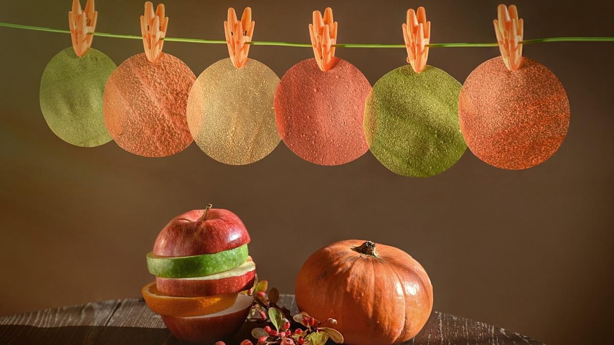 Съедобную плёнку получают из фруктового или овощного пюре по стандартным технологиям пищевой промышленности.