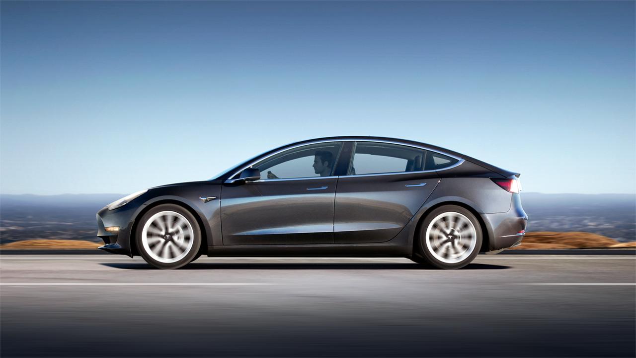 Tesla показала новый электрокар — кроссовер Model Y