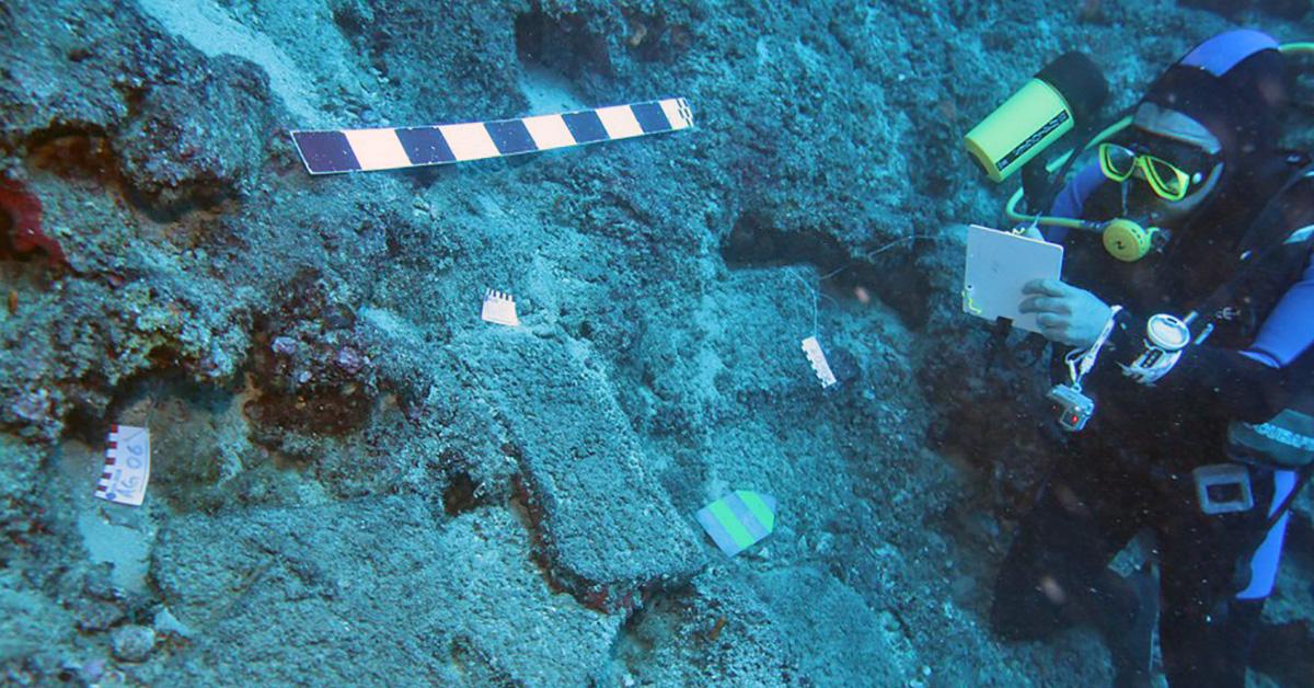 Место древнейшего в мире кораблекрушения: груз медных слитков. Фото: Hakan Öniz / Akdeniz University