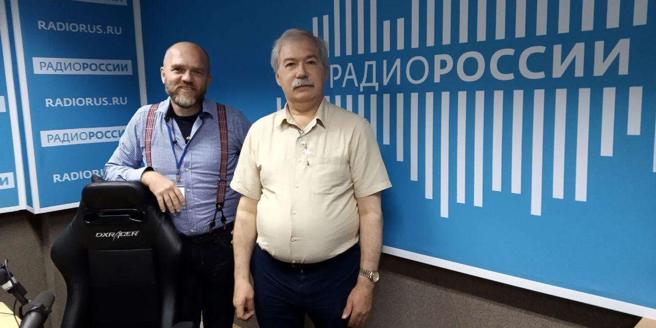 """Дмитрий Конаныхин и Дмитрий Леонтьев в студии """"Радио России"""""""
