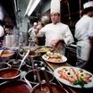 Рестораны, получившие мишленовские звезды, не справляются с высоким спросом