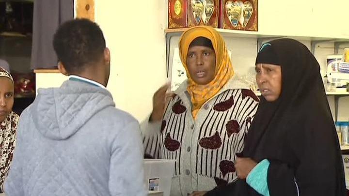 За молитву на рабочем месте в США уволили около 200 мусульман