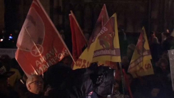 Жертвы нападений в Кельне вышли на акцию протеста