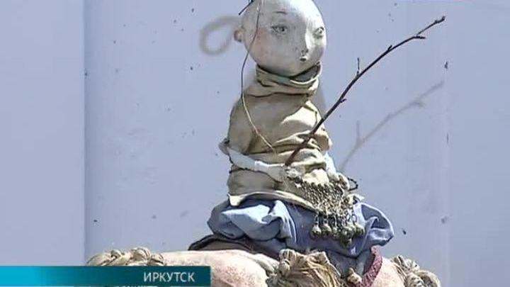 Скульптор Даши Намдаков представил в Иркутске выставку кукол