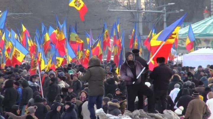 Митингующие в Молдавии пригрозили заблокировать дороги, аэропорт и вокзал