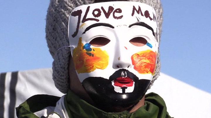 """""""Джунгли"""" в Кале за считанные часы до сноса: быт мигрантов"""