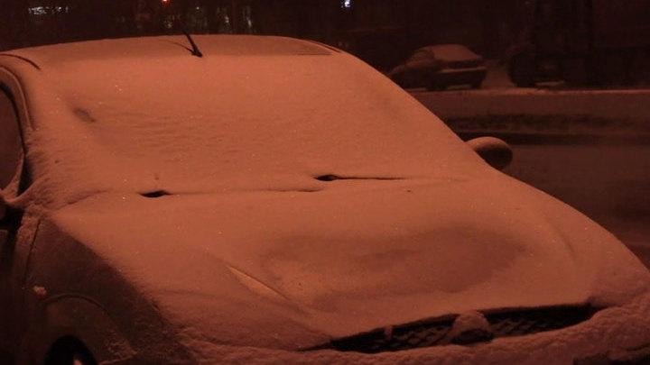 То снег, то дождь: Москвы завалило месячной нормой осадков