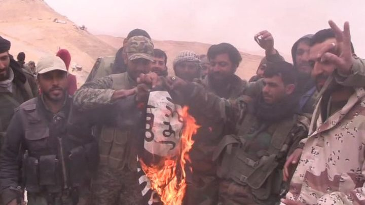 ИГ бросило смертников против освободителей Пальмиры
